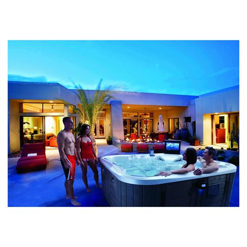 Aquidneck pools spas marquis theshow for Pool spa show 2015